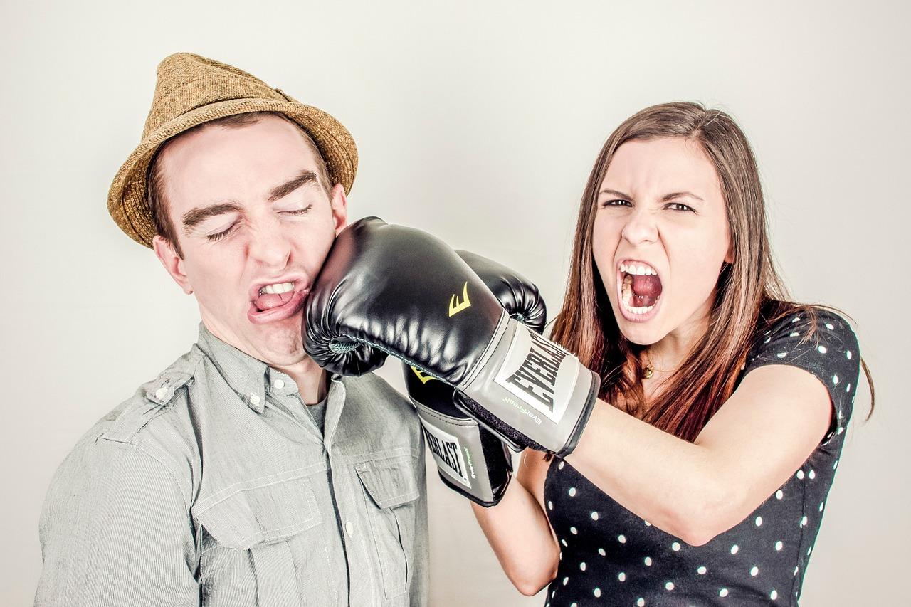 6 najbardziej irytujących wypowiedzi skierowanych w stronę mężczyzn, przez kobiety